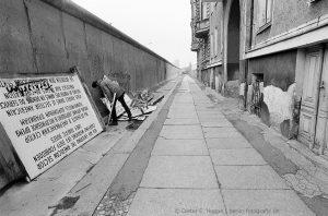 Querformat, Berlin, Grenze, frontier, Mauer, wall, Kreuzberg, Bethaniendamm, DDR, GDR, Deutsche Demokratische Republik, German Democratic Republic